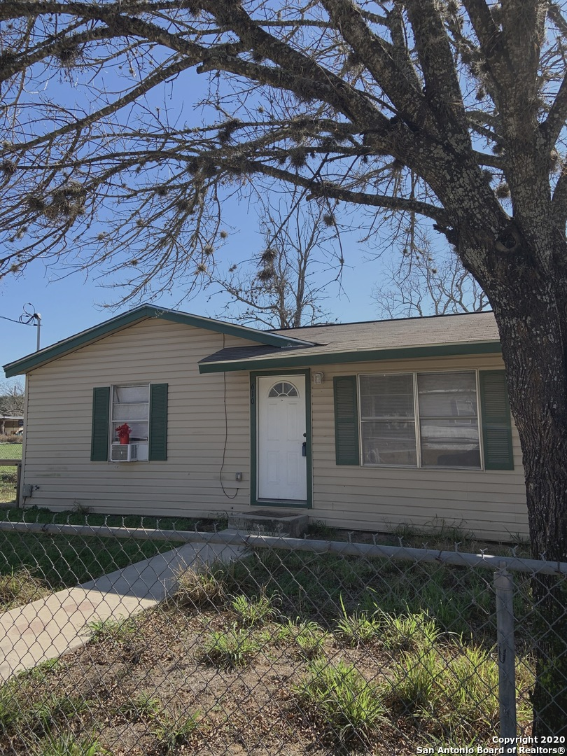 610 Sanches, Pleasanton, TX, 78064