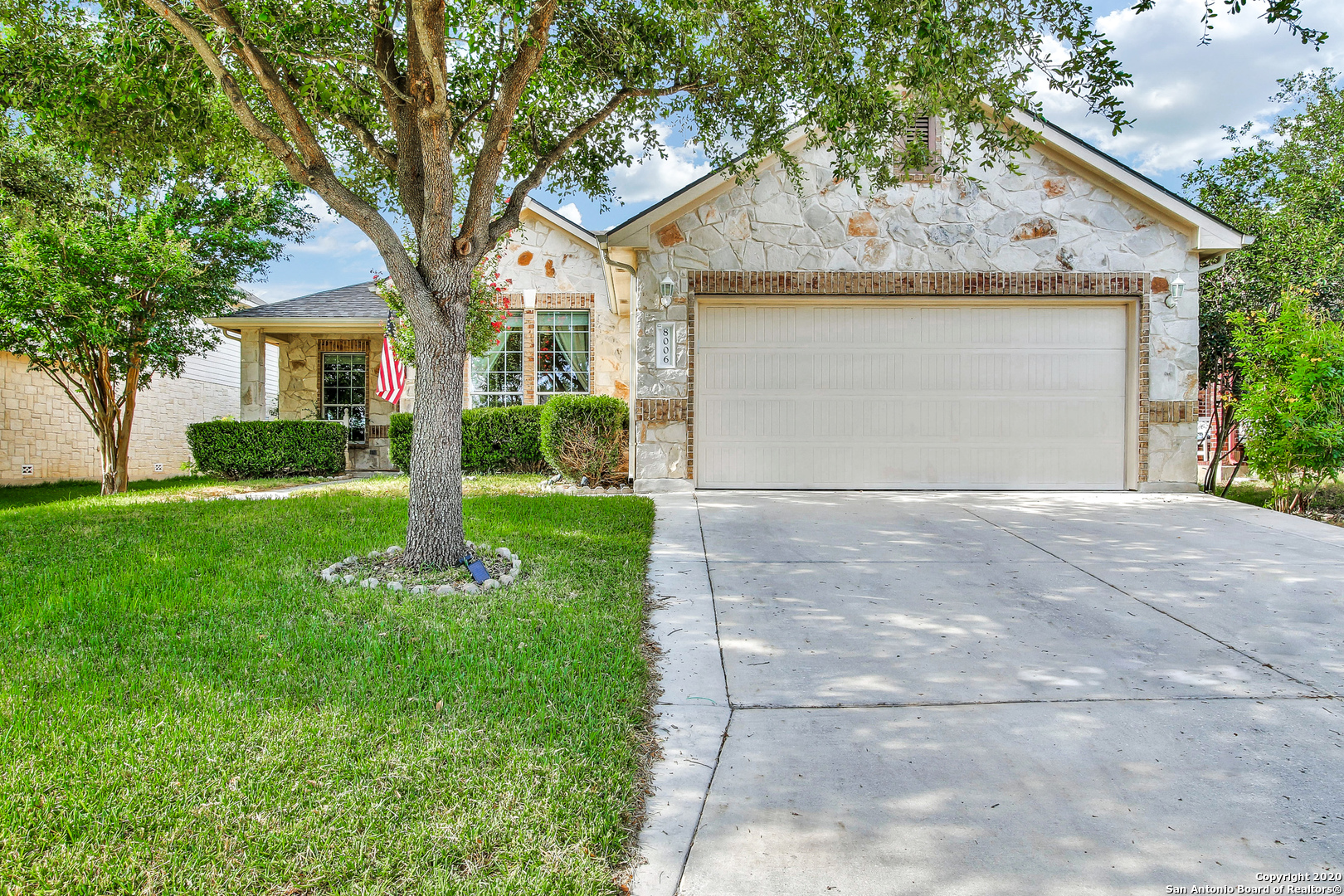 Ready for you to move in, this fantastic 3 Bedroom/2 Bath w/Study, Split Master bedroom with large walk-in closet home is one you don't want to miss! New Luxury Vinyl Plank and carpet are ready to serve you underfoot. Tile flooring is at Entry and Baths with Wood Flooring in the open Kitchen and Breakfast Dining. The Study has a closet and can serve as a 4th bedroom!  Large Formal Dining Room not for you? Use it as a FITNESS AREA or HOME SCHOOL!  All bedrooms have ceiling fans to keep you cool -- and how low can you go with your energy costs? VERY LOW with