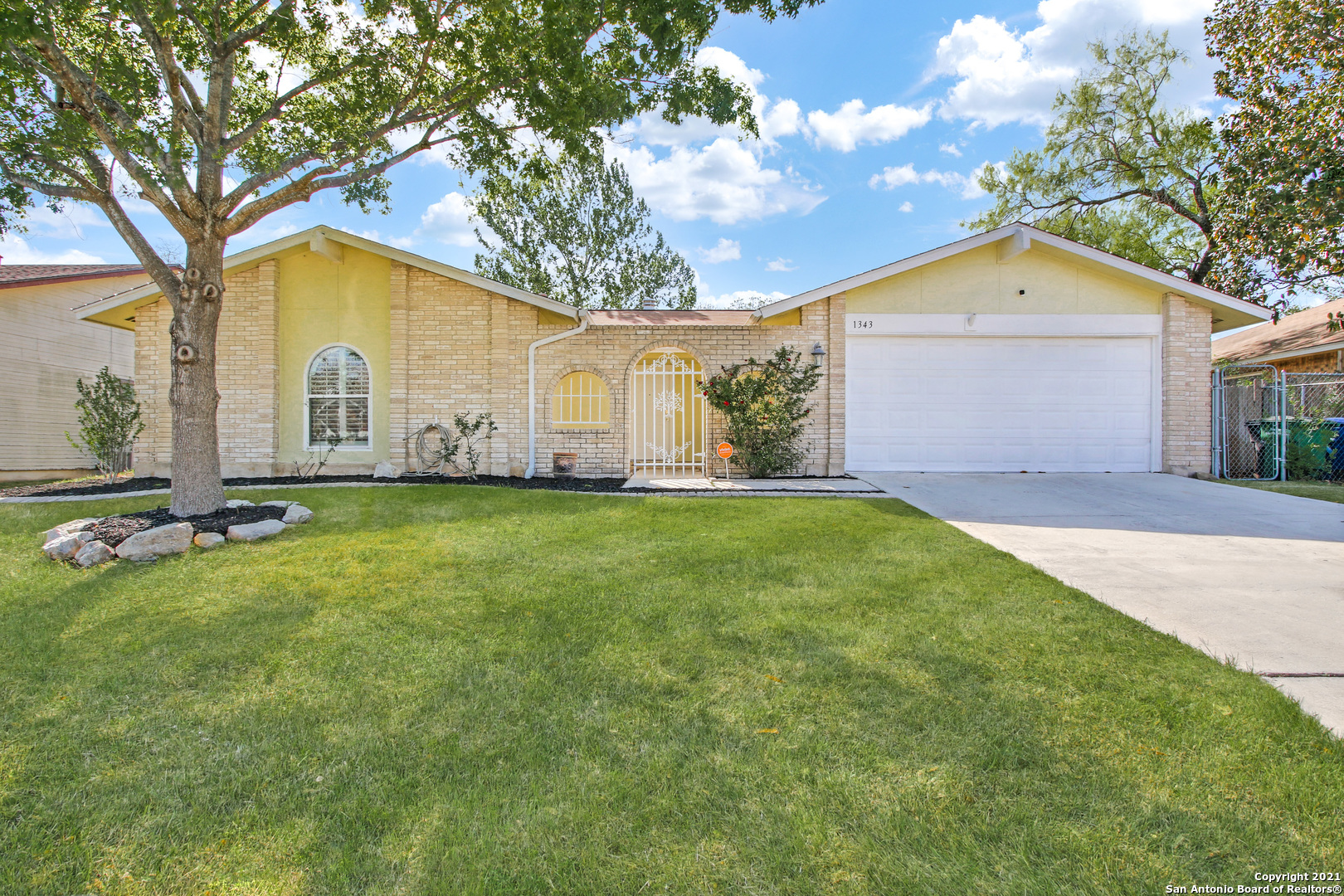 Lovely remodeled one story home w/2 car garage and great curb appeal located in Heritage subdivision