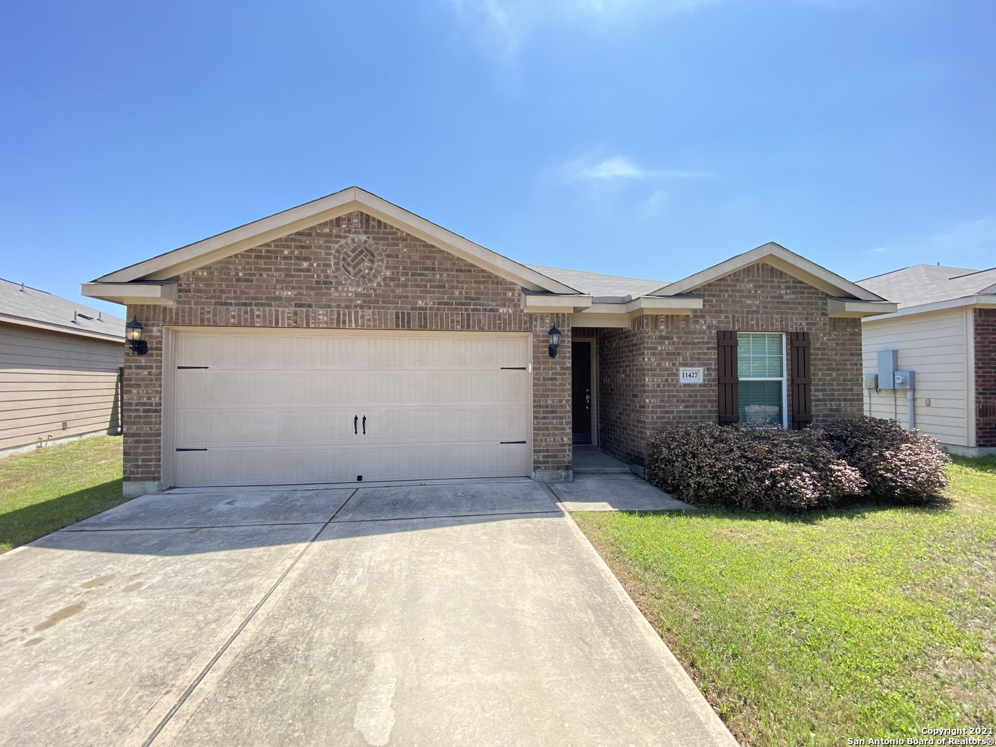 Well Maintained 3 Bedroom, 2 Bath Home in Luckey Ranch Subdivision. Great Floor Plan With Dining Are