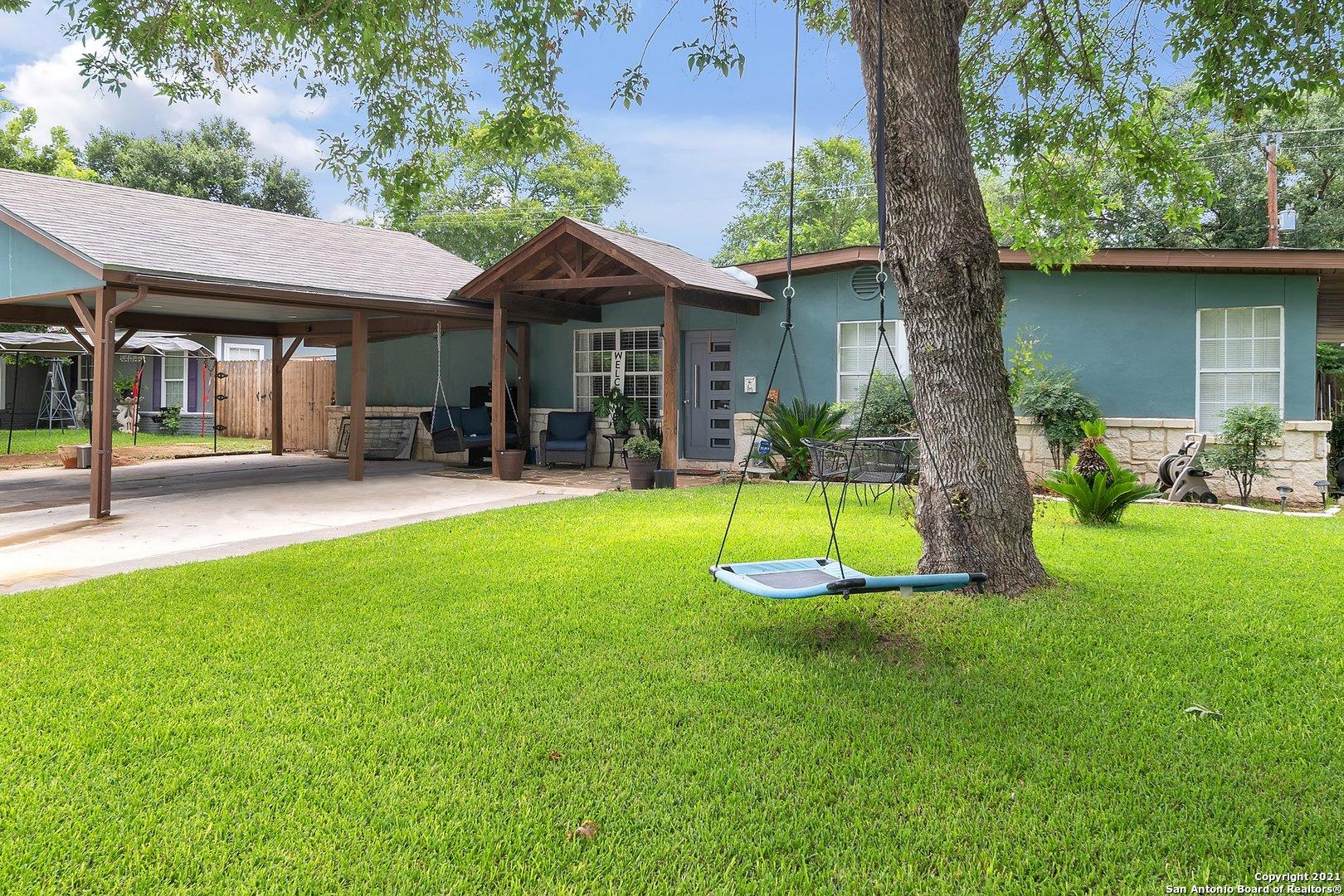 215 Brettonwood Dr, San Antonio, TX 78218
