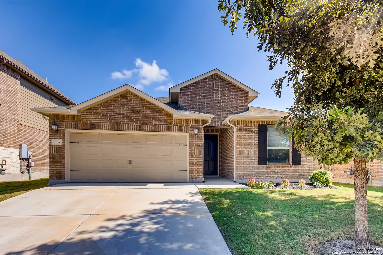 1707 CEDRIC LN, San Antonio, TX 78213