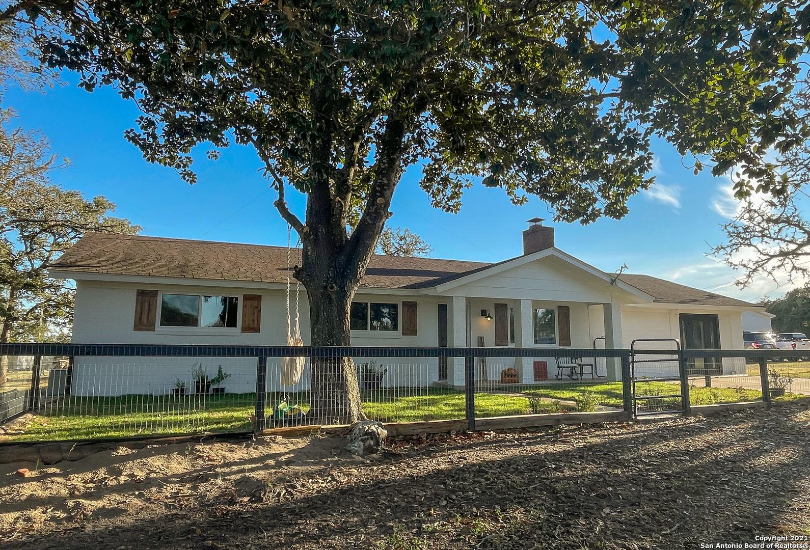 595 Blackjack Oak Rd, Seguin, TX 78155