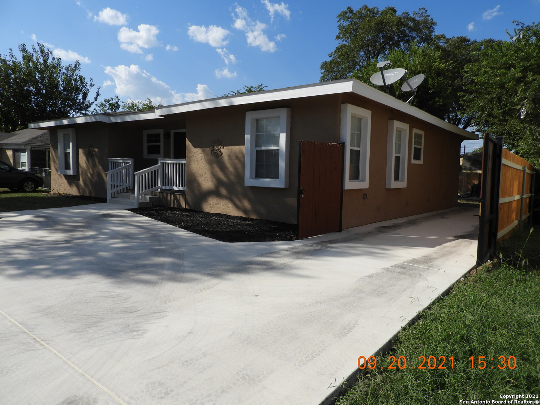 2521 W WOODLAWN AVE, San Antonio, TX 78228
