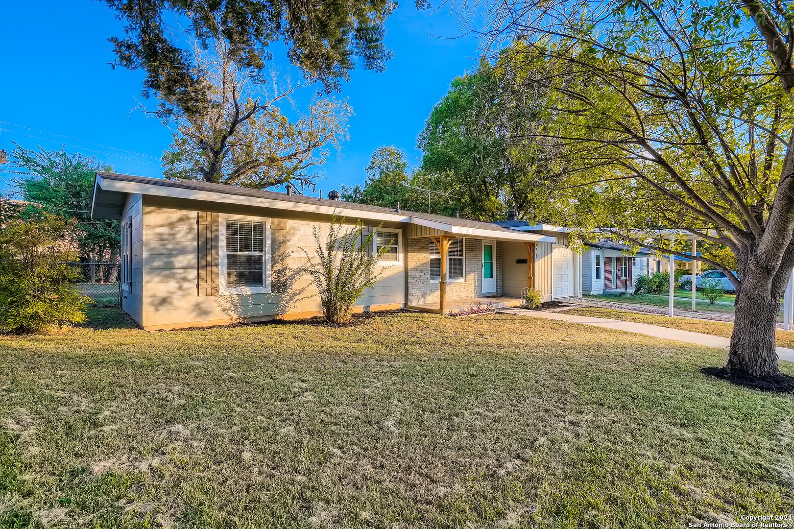 538 WILLIAMSBURG PL, San Antonio, TX 78201