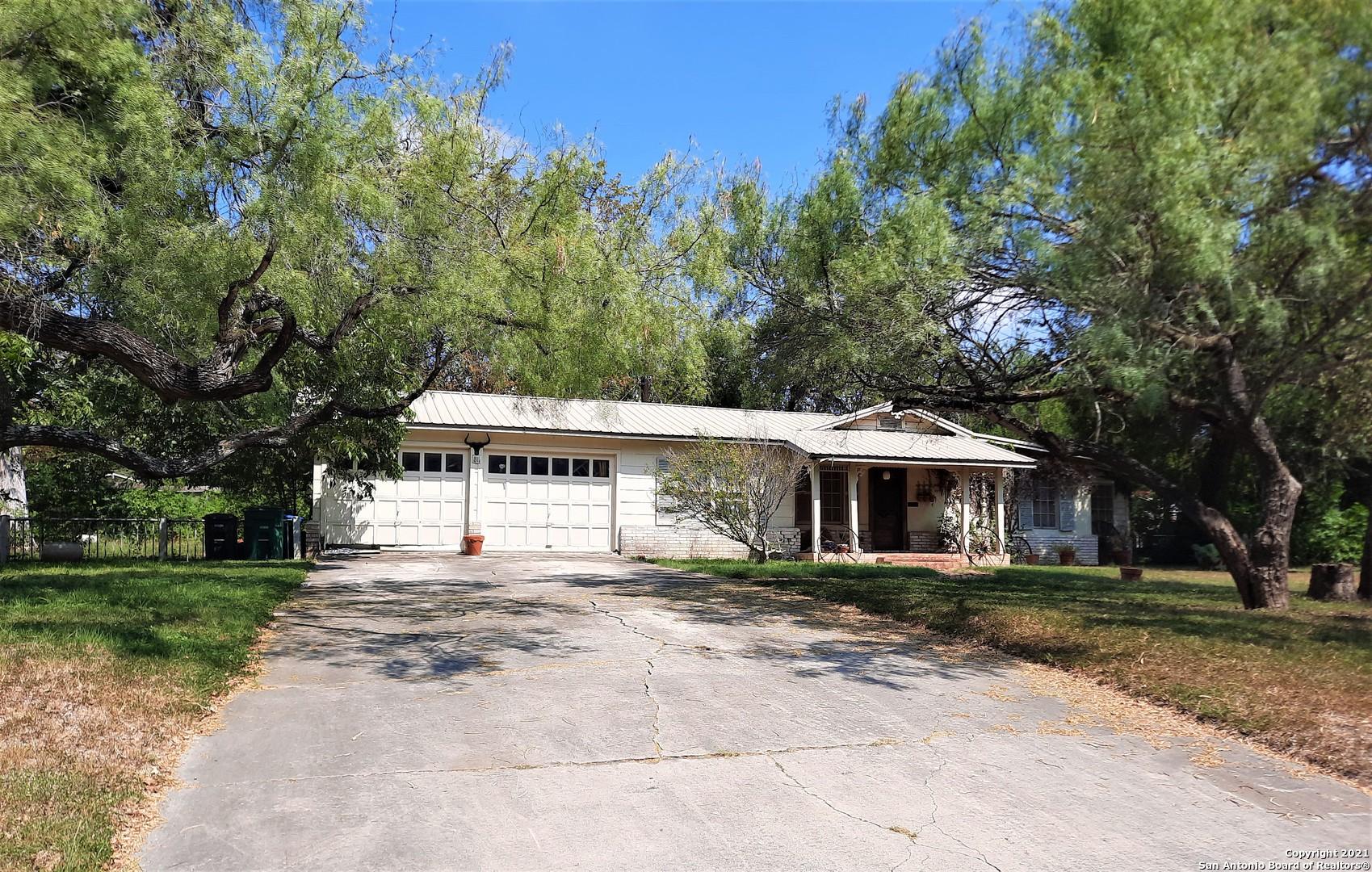 811 BOOTH DR, San Antonio, TX 78216