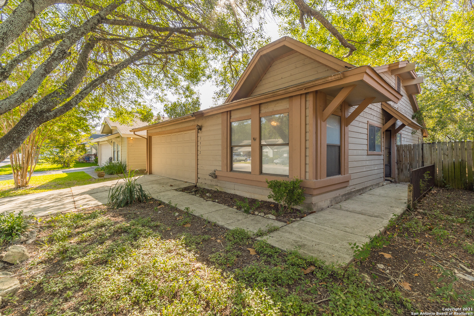 3912 HERITAGE HILL DR, San Antonio, TX 78247