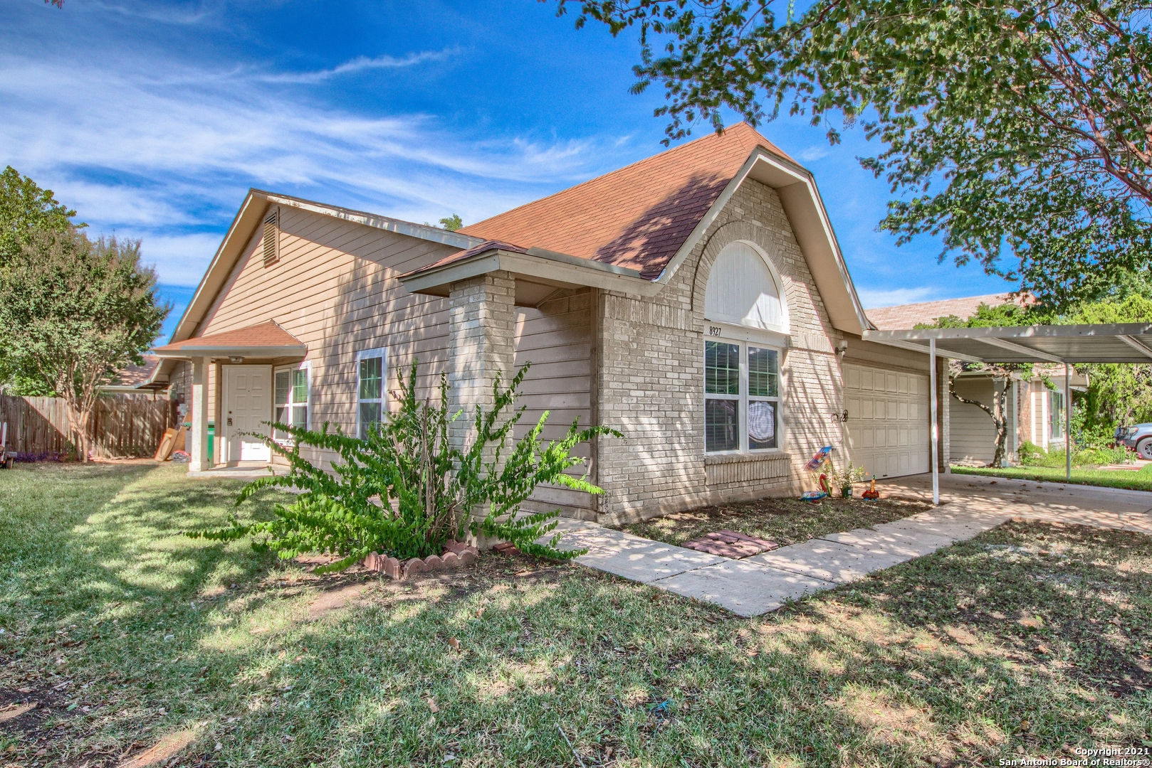 8927 LEVELLAND, San Antonio, TX 78251