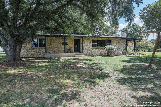 12416 Kenagy Rd, Atascosa, TX 78002