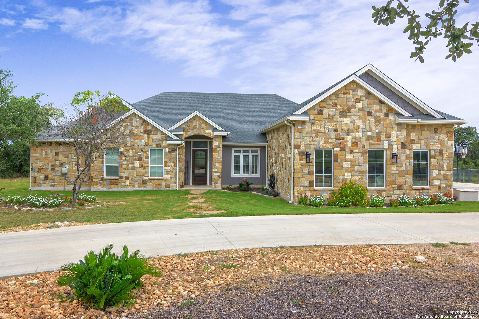 117 Riley Wood, Blanco, TX 78606
