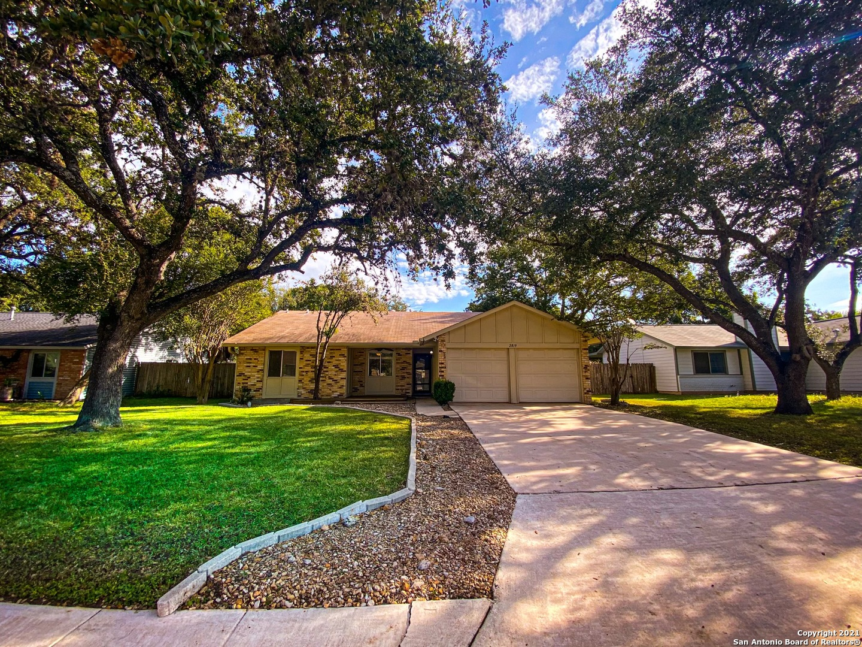 2819 Old Field Dr, San Antonio, TX 78247