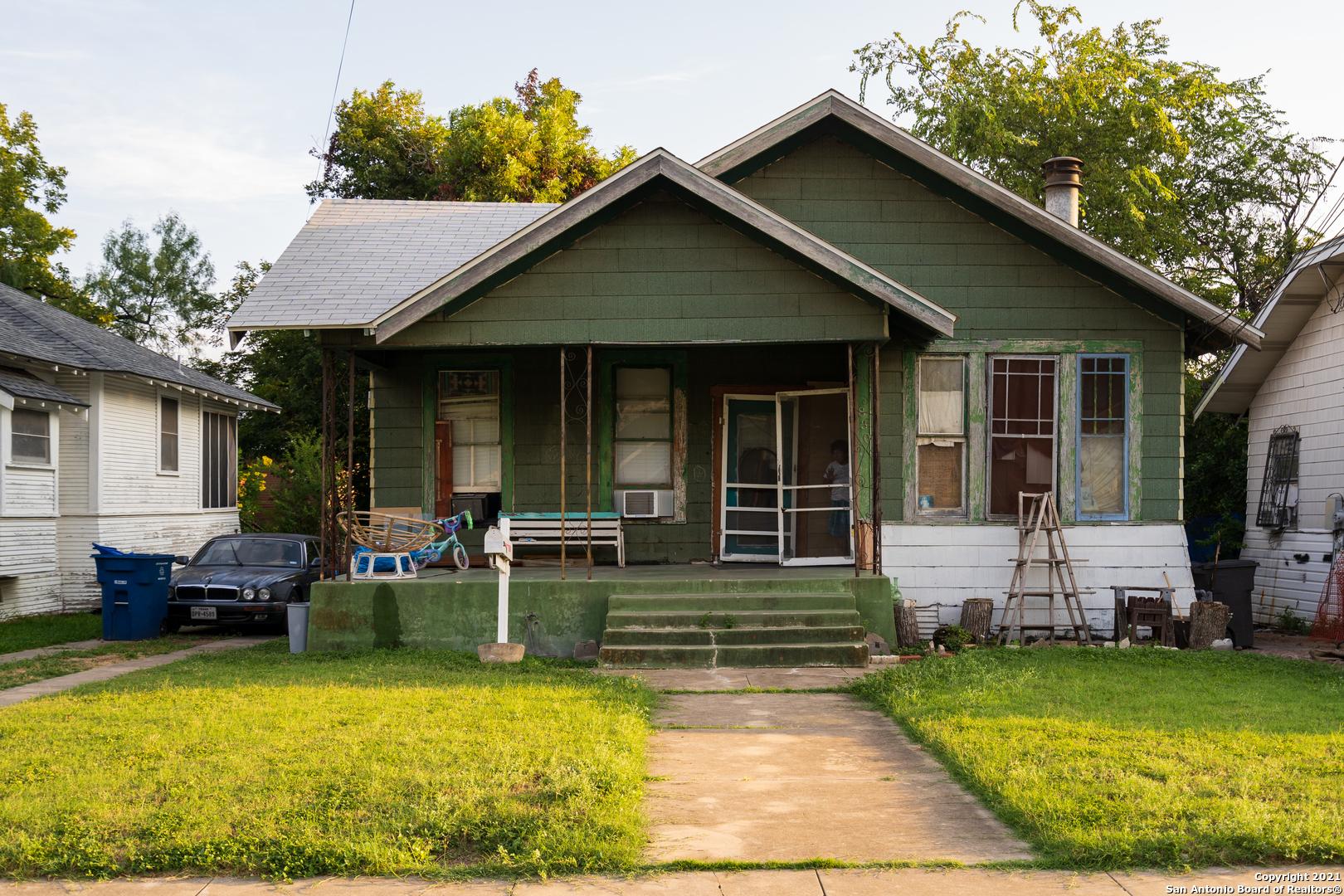 830 W French Pl, San Antonio, TX 78212